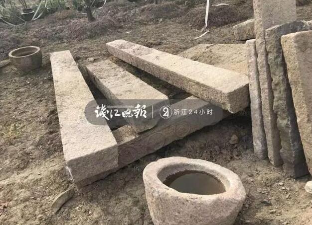 盗窃的石头