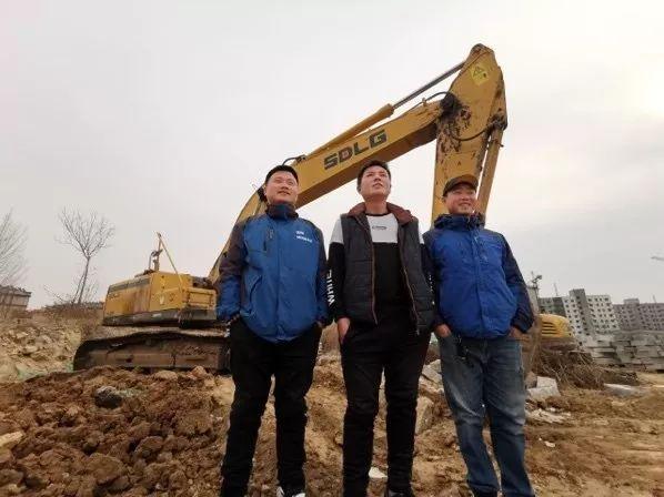山东临工挖机